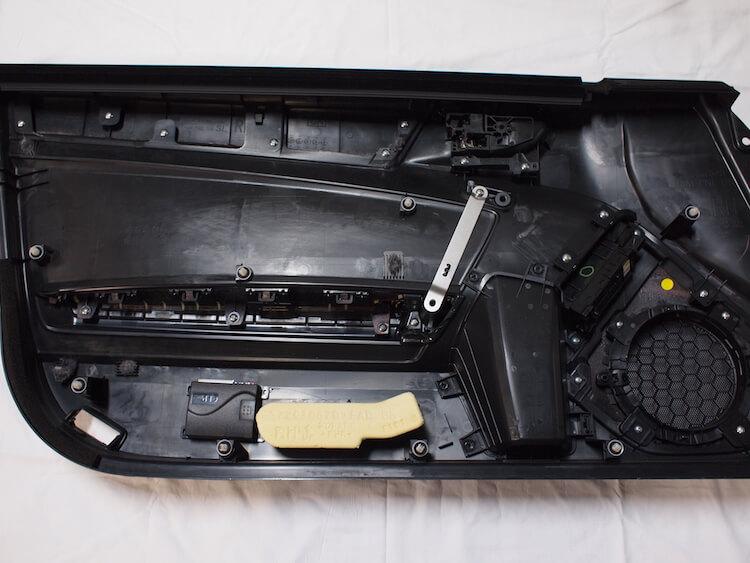 トヨタ 86 ドア内張り内部