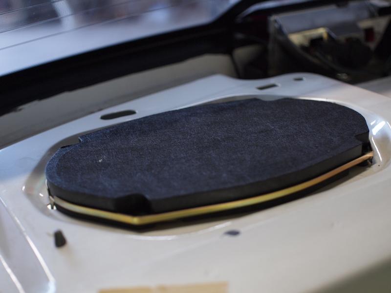 キャデラック コンコース リアトレー純正スピーカー交換