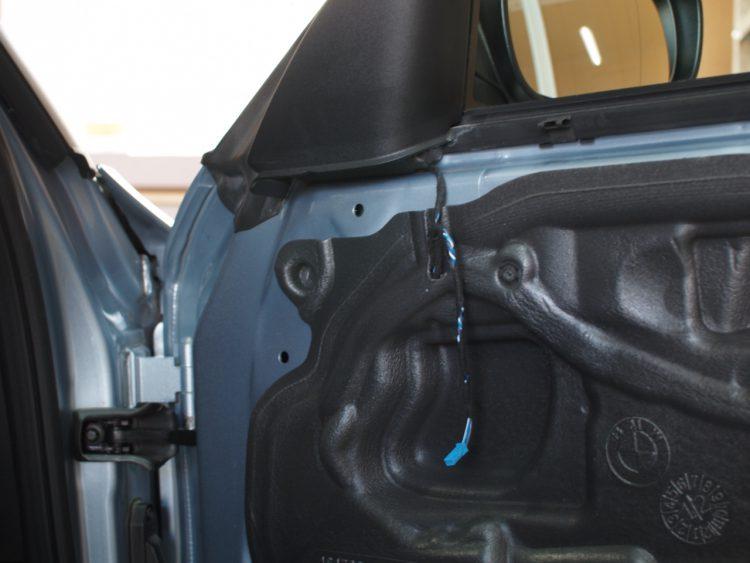 BMW 1シリーズ カブリオレ フロントドア内張り取り外し