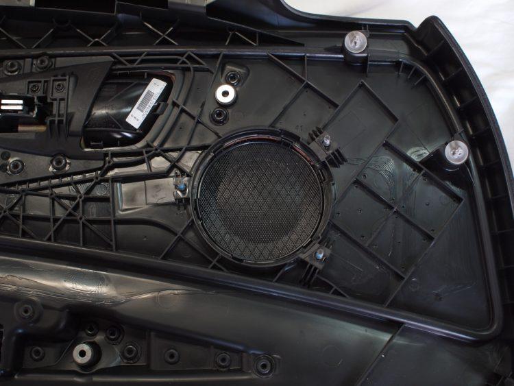 BMW 1シリーズ カブリオレ フロントドアスピーカー取り外し