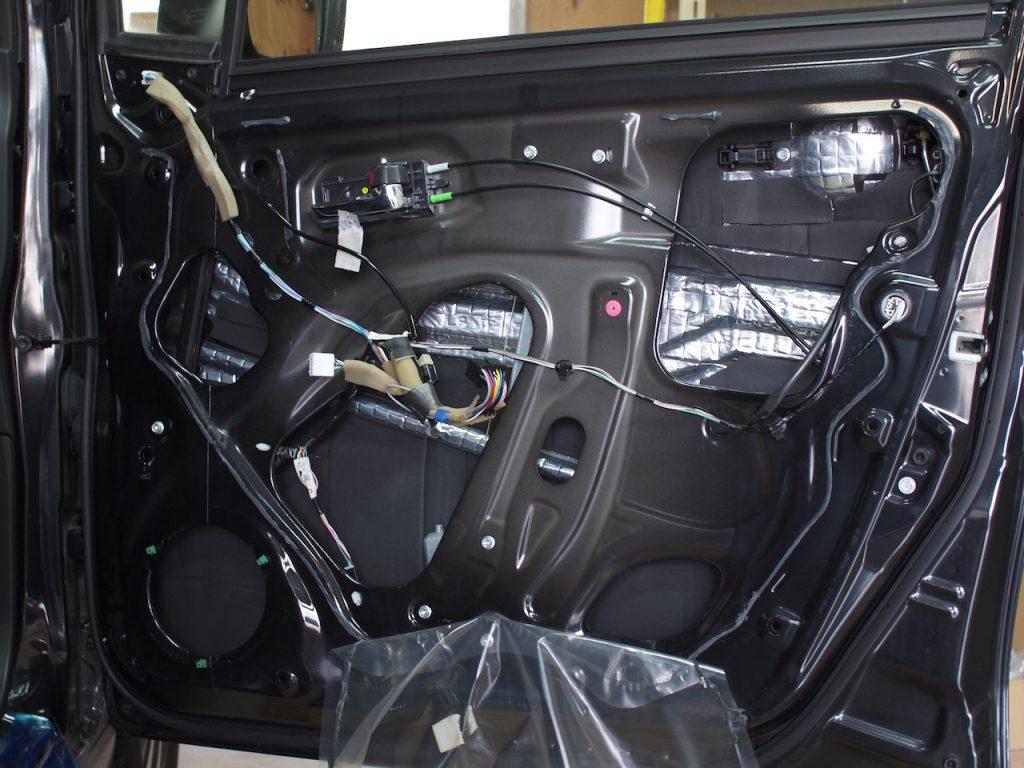 ワゴンR、ドア内部アウターパネル遮音