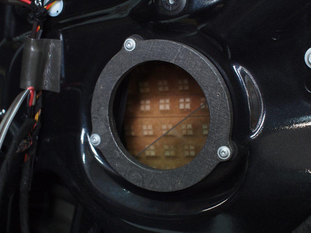 BMW 320d用インナーバッフル取り付け