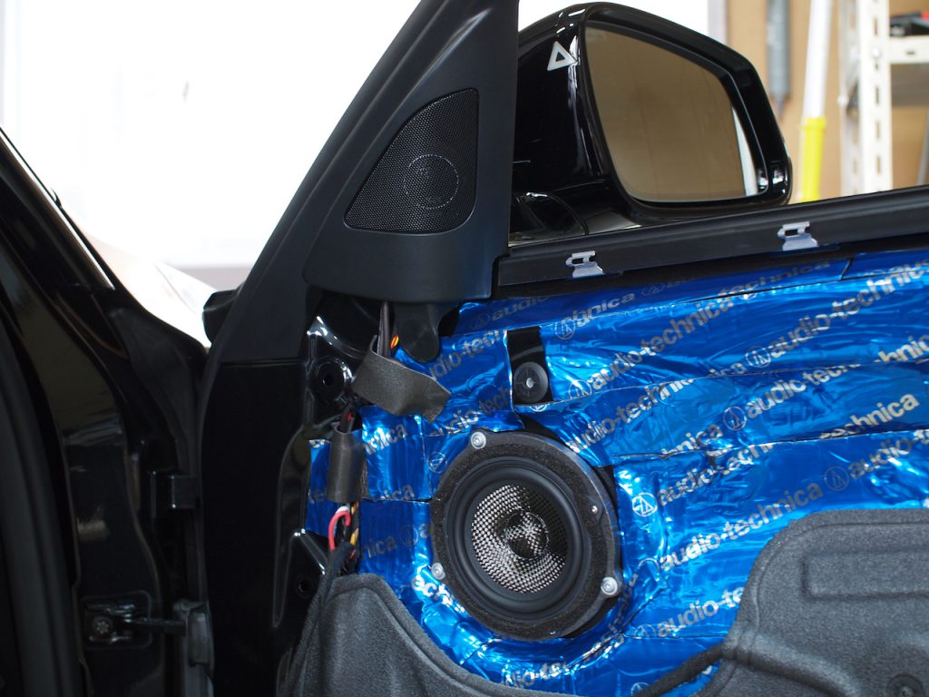 BMW320dにブラムスピーカー取り付け