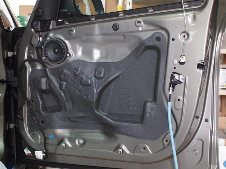 BMW 218d ドア内部