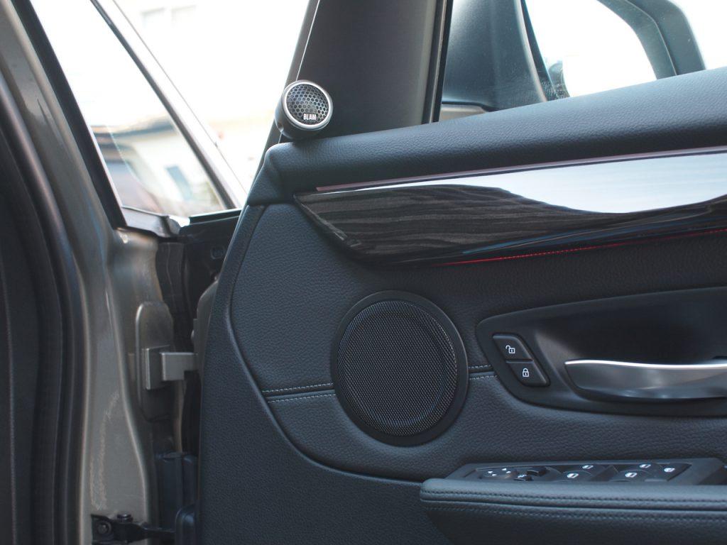 BMW 218d スピーカー交換
