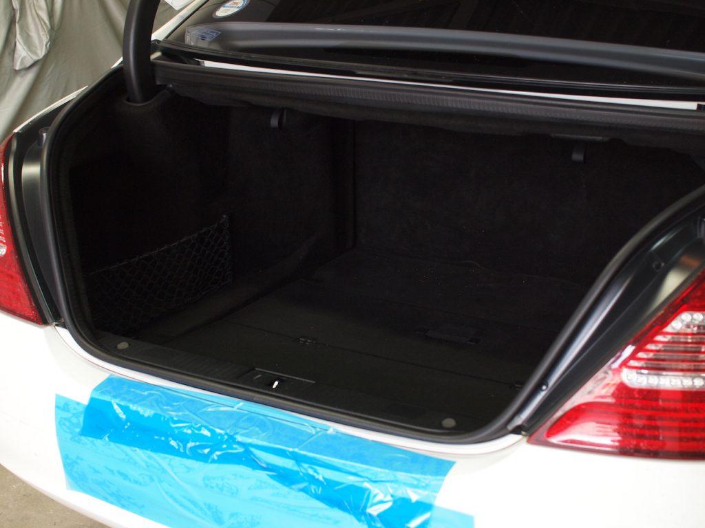 メルセデスベンツ S500L トランク