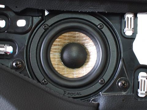 メルセデス専用スピーカー交換フォーカルPS80F