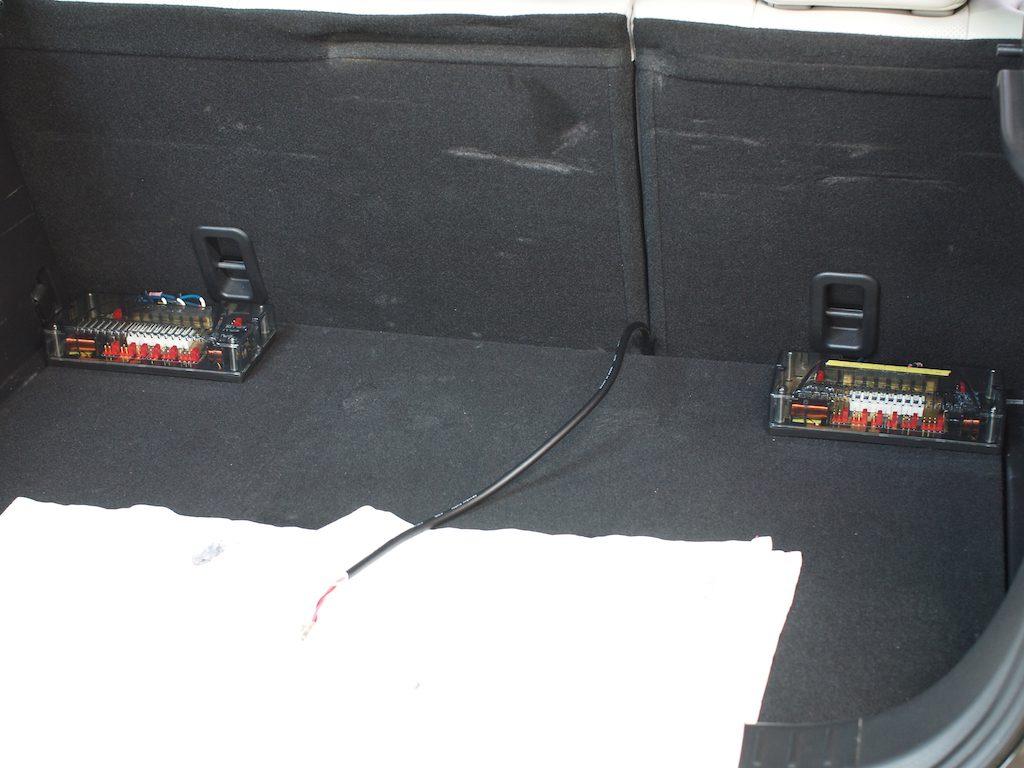 CX−3トランクにパッシブネットワーク取り付け