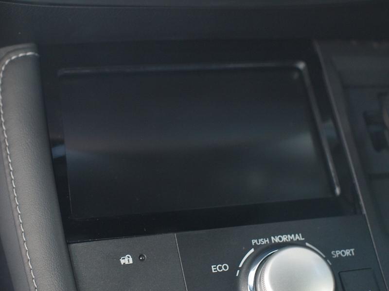 レクサス CT200hの純正モニター移設