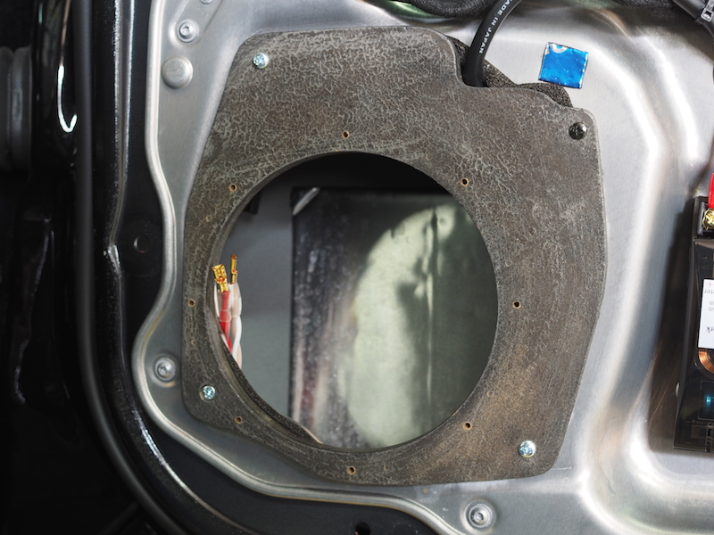 メルセデスベンツW221用インナーバッフル取り付け