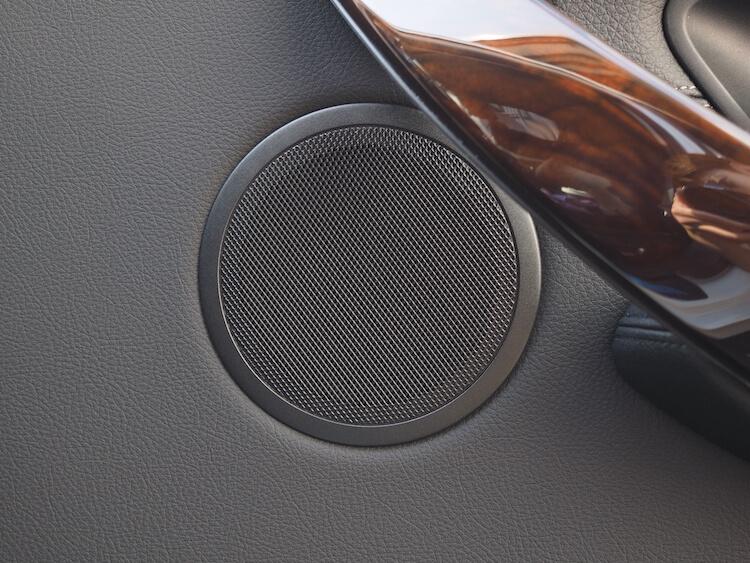 BMW 320d スピーカー交換