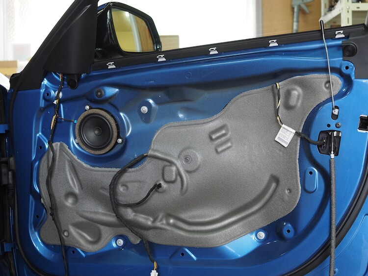 BMW320iドア内部