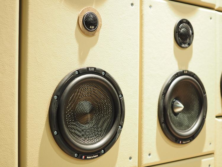 ブラム S165.45 試聴ディスプレイ