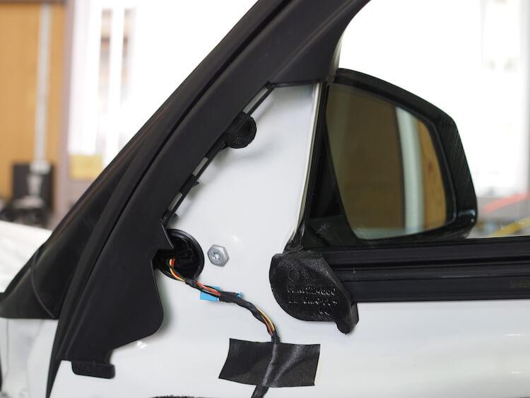 BMW523iの純正ツィーター取り外し