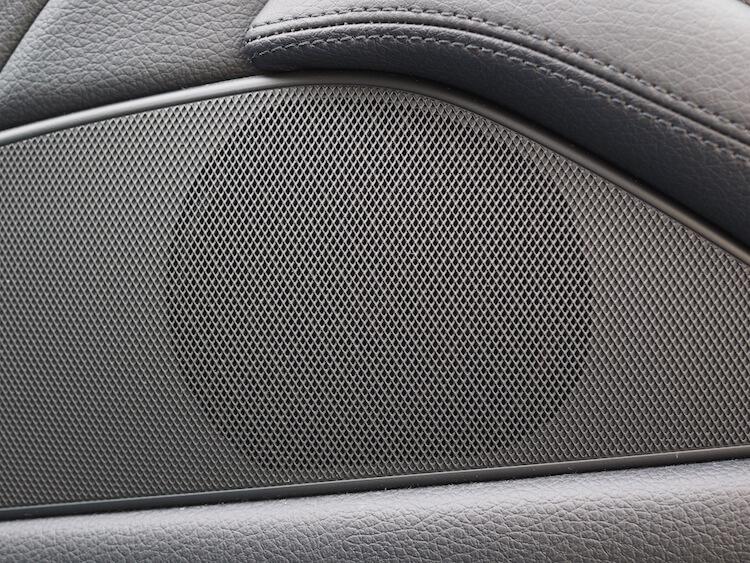 BMW523iミッドレンジスピーカー交換
