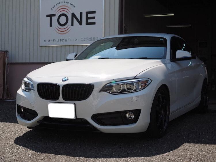 BMW 220iクーペ スポーツ(F22)にドライブレコーダー取り付けとルームランプLED交換作業