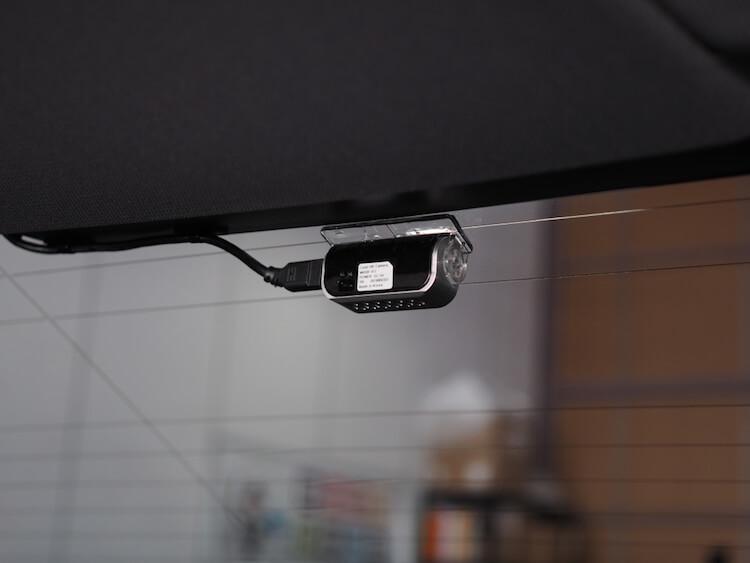BMW 2シリーズ F22にドライブレコーダーリアカメラ取り付け