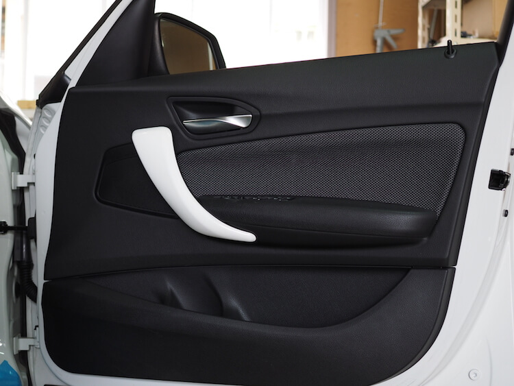 BMW118d 純正ドアパネル
