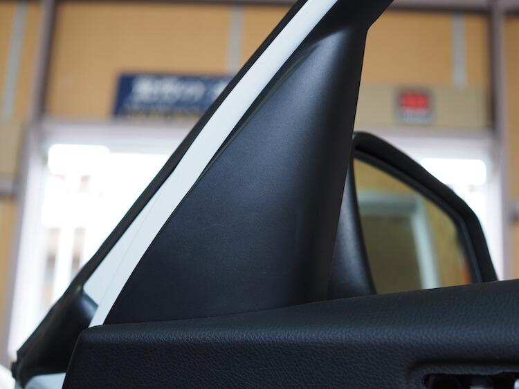 BMW118d 純正ミラー裏パネル