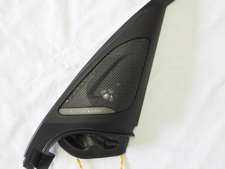 BMW118d用ハーマンカードンオプションパネル