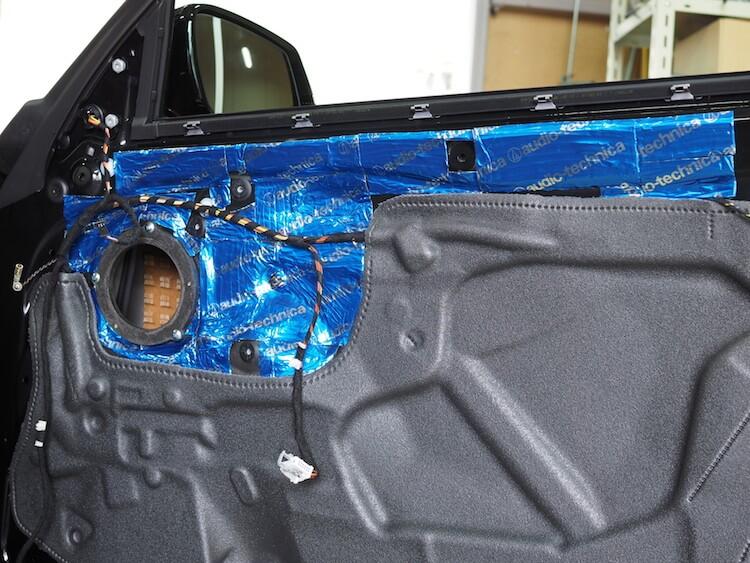 BMW M2 ドアデッドニング