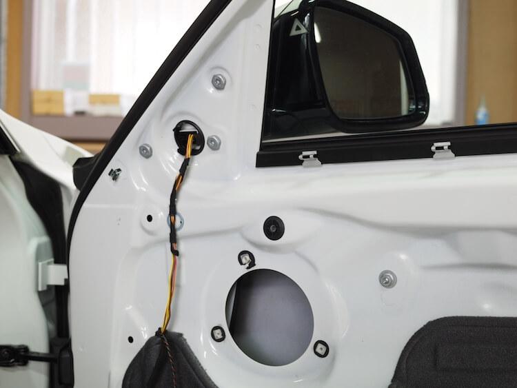 BMW3シリーズツーリング F31のドアスピーカー取り外し