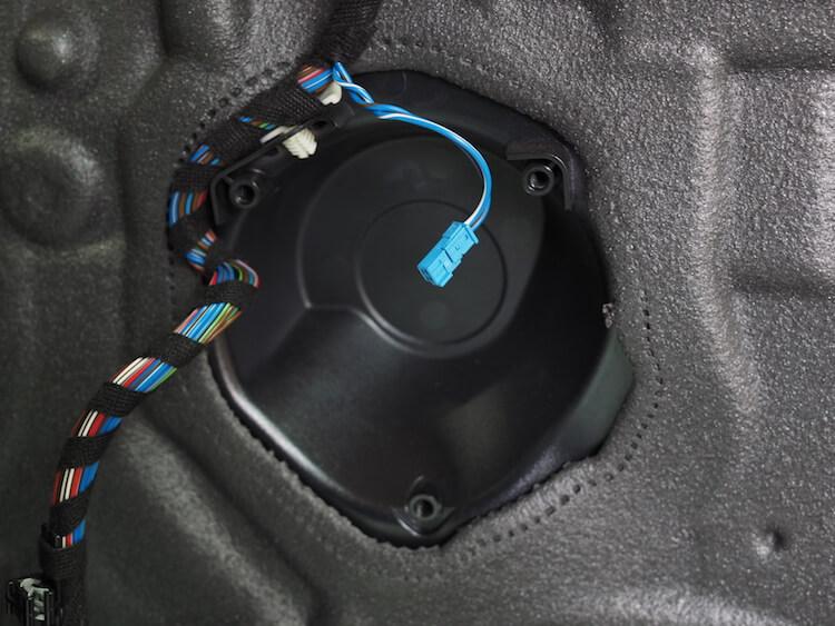 BMW Z4 E89 純正スピーカー取り外し