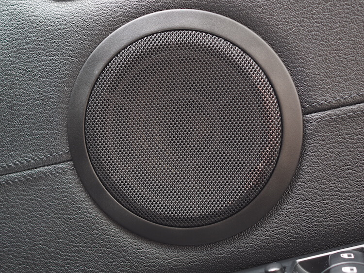 BMW Z4 E89 ミッドレンジスピーカー交換