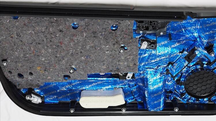 トヨタ 86 ドア内張り全面制振 デッドニング