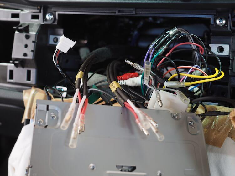 トヨタ 86 スピーカーケーブル引き換え作業