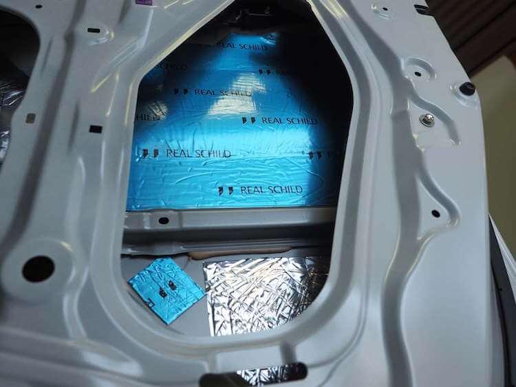 ステップワゴン ドアアウターパネル制振 デッドニング