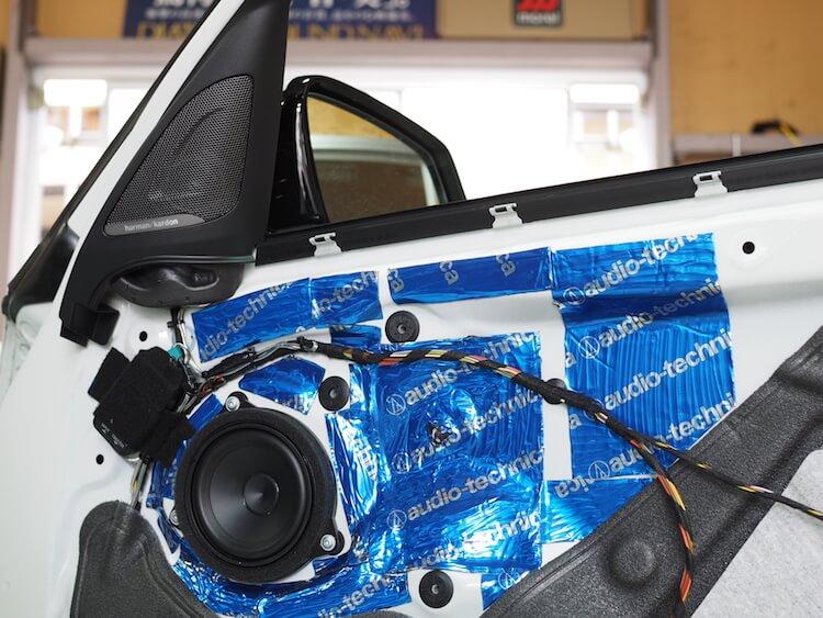 BMW 1シリーズ F20にオーディソンのミッドレンジスピーカー取り付け