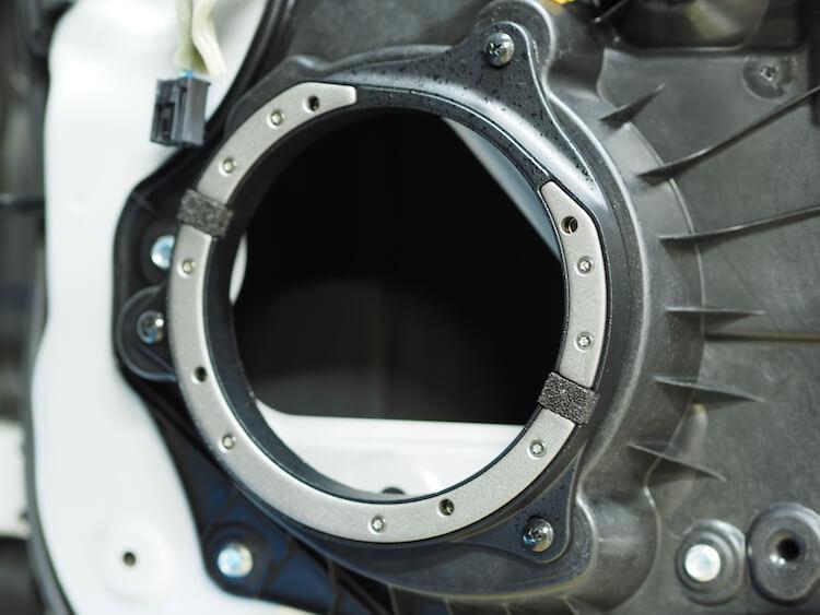 マツダ CX−3に鉄製インナーバッフル取り付け