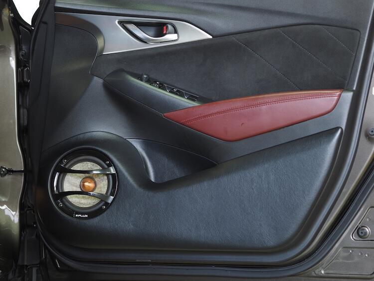 マツダ CX3 ドアアウターバッフル