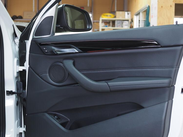 BMWX1純正ドア内張
