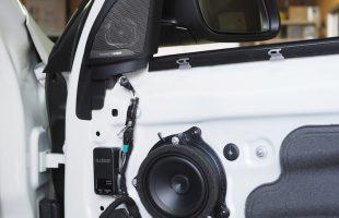 BMW X1(F48)オーディソンのスピーカーへ交換作業