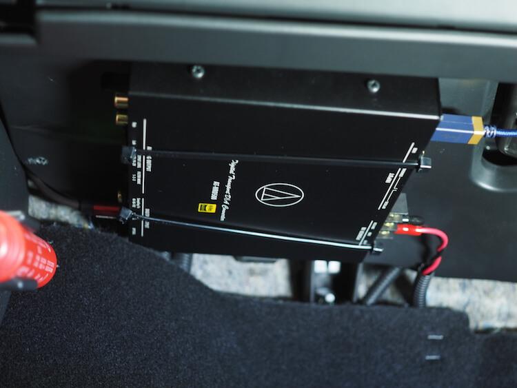 オーディオテクニカAT-HRD500をグローブボックス裏に取り付け