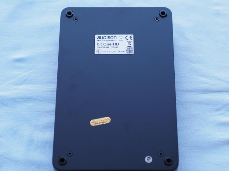 オーディソンのプロセッサー、bitOneHD裏面