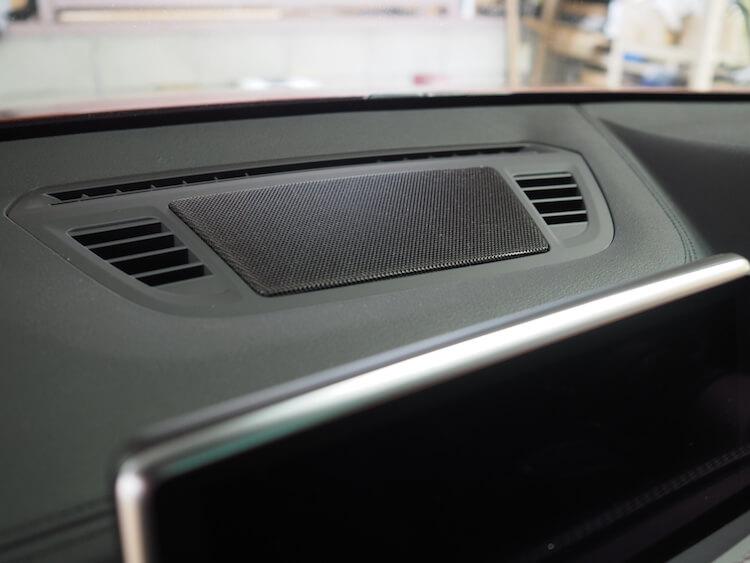 BMW_X2のセンタースピーカー