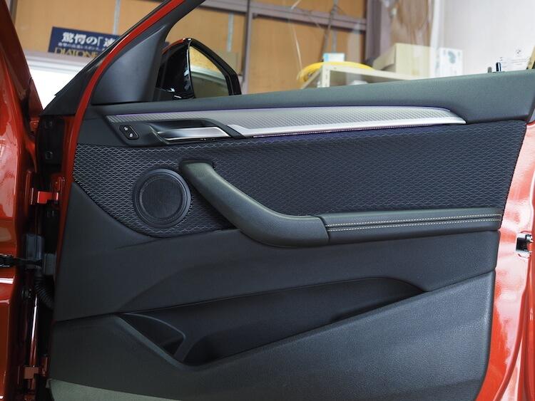 BMW X2 純正ドア内張