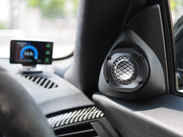 BMW235iのミラー裏にフォーカルユートピアMを加工取り付け
