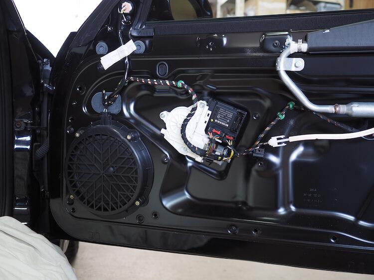 ポルシェ911の純正ドア内張内部