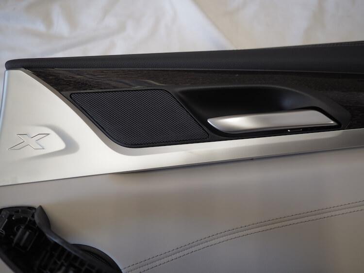 BMWアルピナのリアドアツィーター