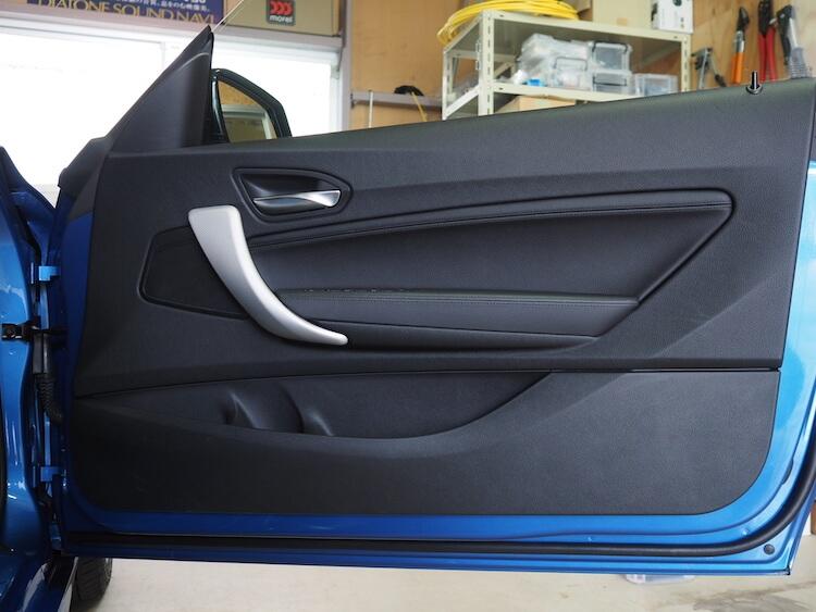BMW2シリーズF23のフロントドア内張