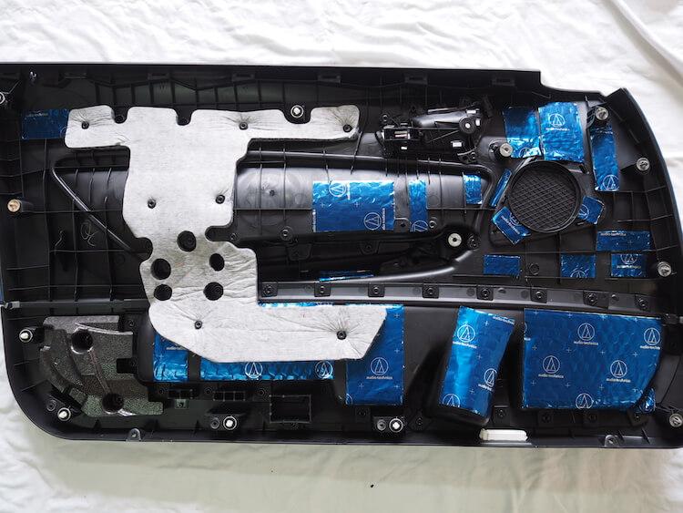 BMW2シリーズF23のドア内張デッドニング