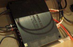 ヘリックスのアンプ内蔵プロセッサー_V-EIGHT_DSP_Mk2
