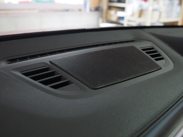 BMWX2のセンタースピーカー