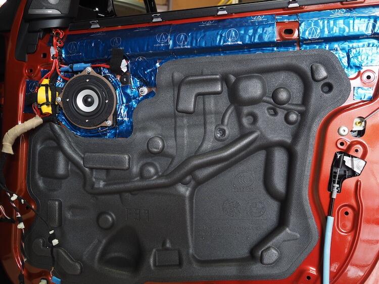 BMWX2にビーウィズのスピーカー