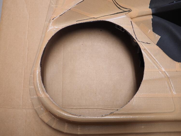ホンダシビックのドア内張にアウターバッフルのデザインを描く