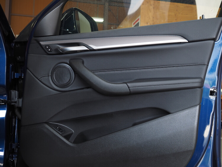 BMWX2純正ドア内張